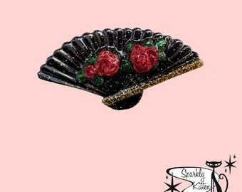 The Hand Fan brooch