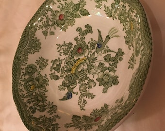 Beautiful green Wedgwood Tunstall Kent berry dish
