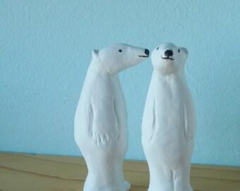 Bear small figurine or cake decoration