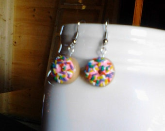 Doughnuts with sprinkles earrings