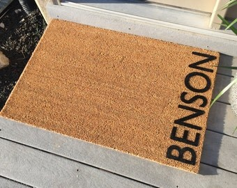 Personalized door mat - Welcome Mat - 'Benson' Style