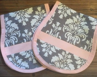 Contoured muslin burp cloths ( set of 2)