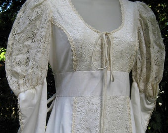 Romantic Gunne Sax with Crochet Lace Detail