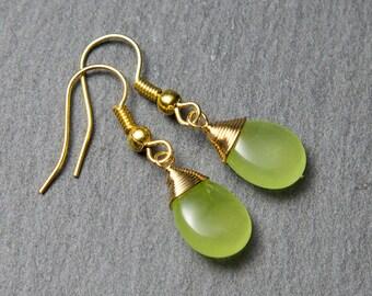 Green Jade Earrings. Wire Wrapped Green Jade Earrings. Green teardrop earrings. Gold Jade Earrings.