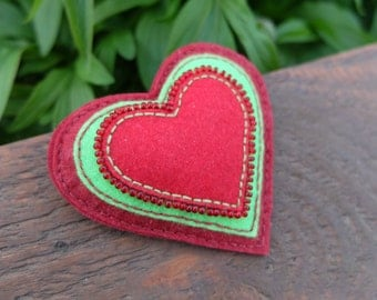 Felt brooch,Red heart,Christmas brooch, Beaded brooches, Hand embroidery, Textile brooch, Red brooch, Felt pin, Felt jewelry,Christmas gifts
