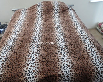Soft Flannel Oversize-Animal Print Throw
