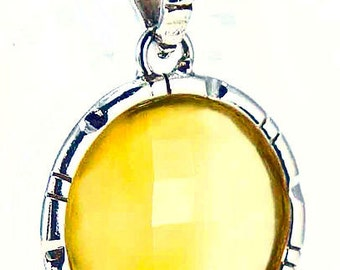 Sun-colored chalcedony pendant DEWA