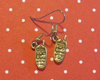 Cell Phone Earrings 24 Karat Gold Plate Call Me Let's Chat Talk Text Telephone EG478
