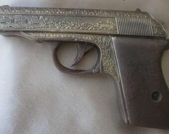 Handmade soap, Gun Soap, gift for men, Police Theme Party favors, Gifts for Police Officer, Gift For Him, Pistol