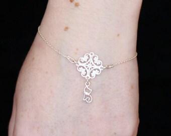 Delicate Silver Cat Charm Bracelet (15 - 19cm)