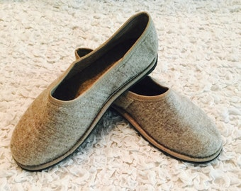 Grey felted  slippers, Women's home shoes, Natural slippers, Eco fashion slippers, Felt wool slippers,slippers for women