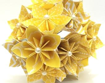 15 Yellow Kusudama Flowers, Origami Flowers, Paper Flower Bouquet, Wedding Bouquet, Bridal Bouquet, Centerpieces, Baby Shower, Room Decor