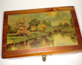 1950's Medium Wooden Carved Dovetailed Box/Cameo Pictures Top/Jewelry/Vintage Box