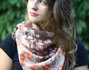 beautiful Daniel Laurent SILK vintage designer Scarf / shawl with Flowers Floral Pattern