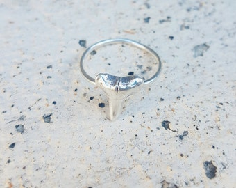 Silver shark tooth ring