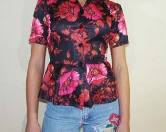 Vintage blouse with flower print, pink flower, volan top button down size S/38/8 1970's style hippie boho