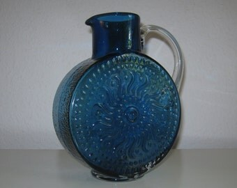 Beautiful glass vase with Sun relief from the 1970s - Beautiful glass vase with sun relief from the 1970 s