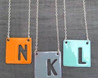Initial necklace, letter pendant necklace enameled on silver chain// Modern font