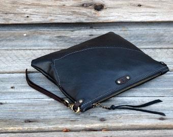 Medium Leather Zipper Pouch  /  Zippered Purse /  Phone Case / Camera Wristlet / Leather Clutch