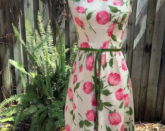 Beautiful Vintage Garden Party Dress 1950's - 1960's with Belt