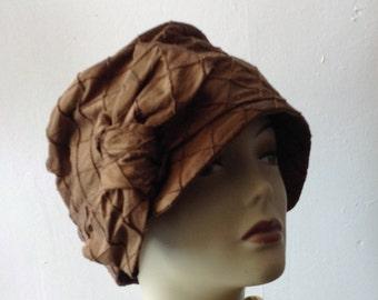 Brown Cloche FLapper hat 1920S