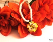Puka Shell Flower Necklace, Vintage Puka Necklace, 1970 White Puka Shell Necklace, Heishi Necklace, Beach Necklace, Gift For Her