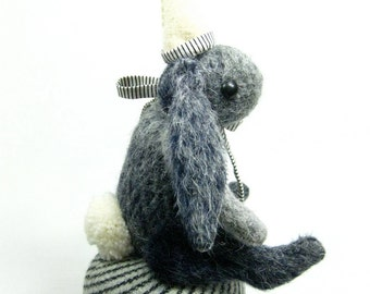 Bunny Pin Cushion With Emery Party Hat