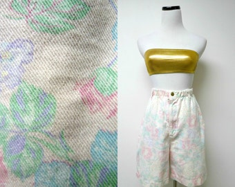 Vivaldi Jeanswear . 80s high waist floral print denim shorts . small . made in USA