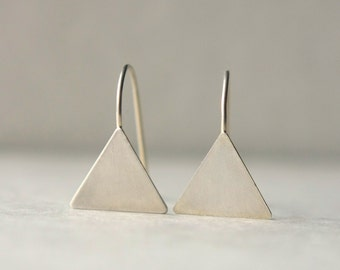 Sterling Silver Triangle Earrings, Everyday Earrings, Silver Geometric Earrings, Minimal Modern Jewelry, Geometric Jewelry, Modern Jewellery