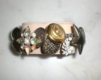 Vintage Retro Buttons BRACELET!