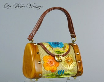 Floral Handbag ~ Vintage 1960s Wood Basket Purse ~ Raffia Straw Flower Embroidery