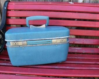 Vintage Blue Safari Skyways Train Case/Overnight Suitcase