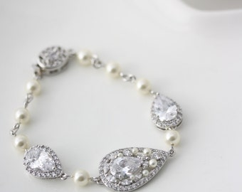 Bridal Bracelet Crystal Teardrop Wedding Bracelet Cubic Zirconia Crystal Pearl Wedding Jewelry VIVIENNE