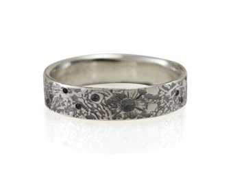 Moon Texture Band- 5mm wide