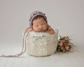 Baby hat, Knit Baby Bonnet, Floral Bonnet, Baby Photo Prop, Newborn Photo Prop, Newborn Baby Girl Hat, Knit Baby Hat, Rose bonnet