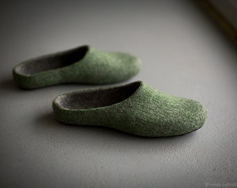 Felted men slippers Mens house shoes Green dark grey slippers Natural wool clogs Eco friendly gift for him Felted wool clogs