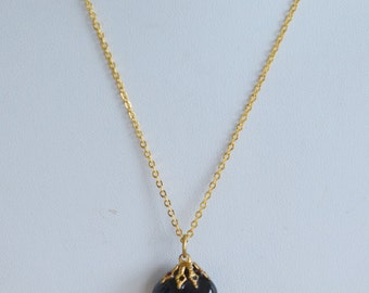 "Pretty Vintage Black Onyx Nugget Pendant Necklace, Gold tone, 18"" (AH4)"