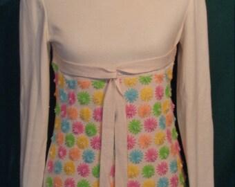 Vintage Winter White Pullover Sweater Beaded Yarn Flowers B34