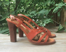 Vintage 70s Size 5.5 Stacked Wood Heels Slingback Sandals // brown 5 1/2 1970s 80s shoes