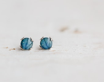 Sky blue flower stud earrings -  Hydrangea petal - Flower jewelry - Tiny Ear posts (E156)