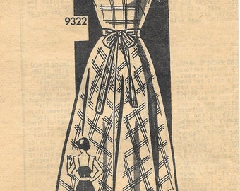 Marian Martin 9322 1940s Sleeveless Dress with Unique Collar Vintage Sewing Pattern Size 14 Bust 32 Fitted Bodice
