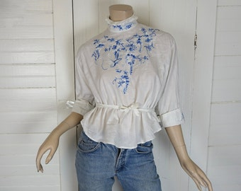 White Edwardian Blouse- Blue Embroidery- High Neck, Back Buttons- Cotton- Small- 1910s