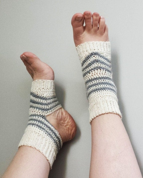 Crochet Yoga Socks : Yoga Sport Socks Crochet Pattern No heel Open Toe Toeless Ribbed Ankle ...
