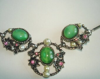 Silver Tone  Green Stone  Rhinestones Pearls  Vintage Necklace