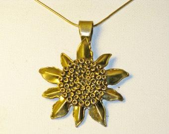 Vintage Brass Floral Sunflower Medallion Pendant Necklace (N-3-1)