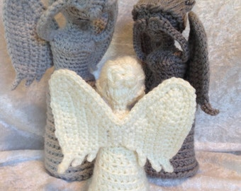 Crochet Weeping Angel Statue - 3 sizes available!