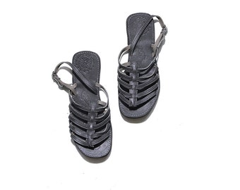 Vintage Leather Sandals 7 / Grey Gladiator Sandals / Leather Huaraches