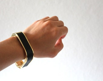 black and gold vintage bangle / leather and metal, snap closure, street fashion chic