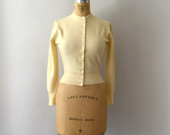 Vintage 1950s Sweater - 50s Buttercream Ivory Cashmere Cardigan