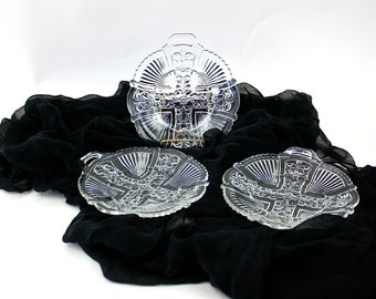 "Vintage 40s Desert Plates 3 Clear Glass w Cross & Dogwood Flower Center Small Handle 6"""